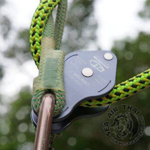 รอกสำหรับงานต้นไม้ ใช้เป็นระบบทดแรงในการดึงขึ้นหรือผ่อนน้ำหนักหรืองานกู้ภัย ทำจากอลูมิเนียม ใช้งานร่วมกับอุปกรณ์จับเชือกหรือเงื่อนเชือกพรูสิคได้ดี Climbing Technology